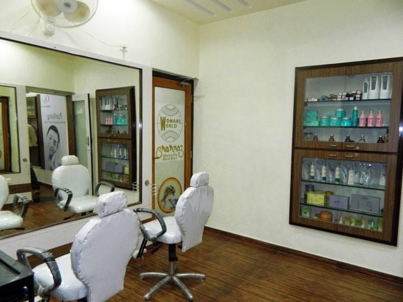 Kalgi Beauty Salon