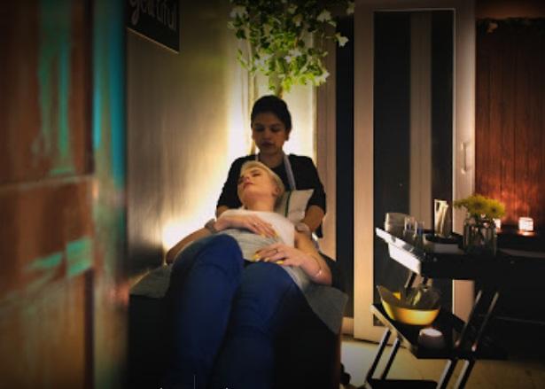 Riya Beauty Salon