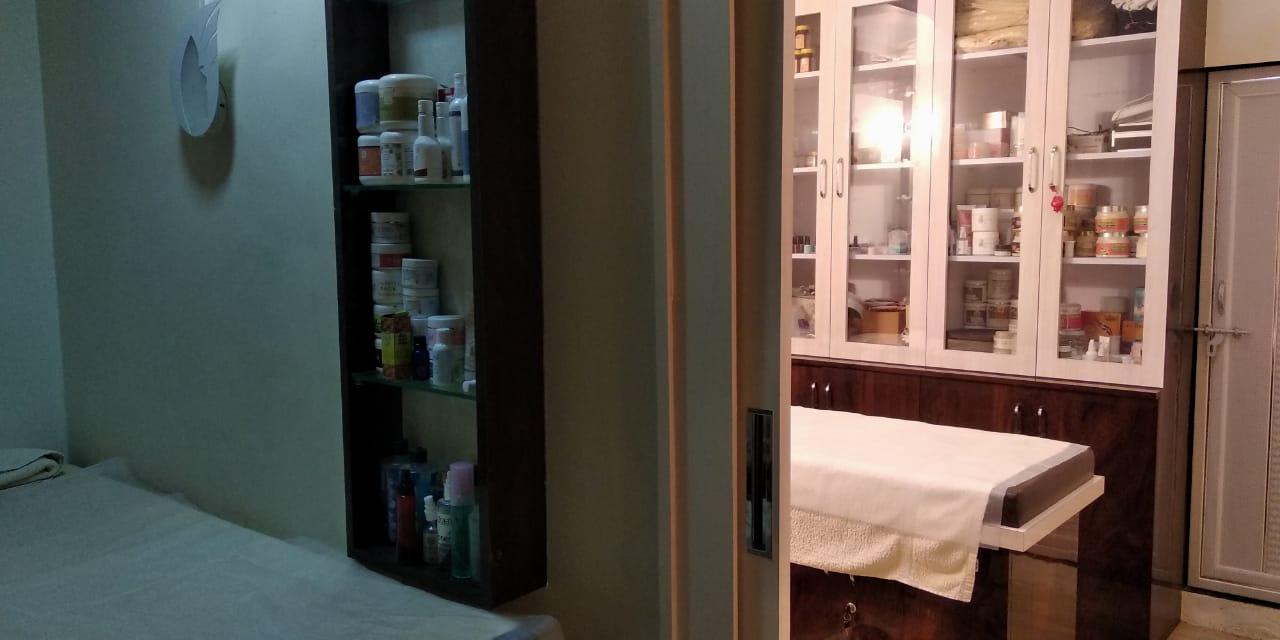 Abha Beauty Salon & Spa